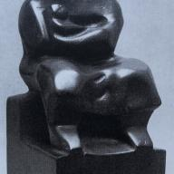 <strong>Moeder en kind</strong> – 1933 – teakhout – 23 x 10.5 x 12 cm – particuliere collectie